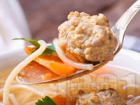 Класическа бистра супа топчета със свинска кайма, ориз, картофи и фиде (оригинална рецепта) - снимка на рецептата